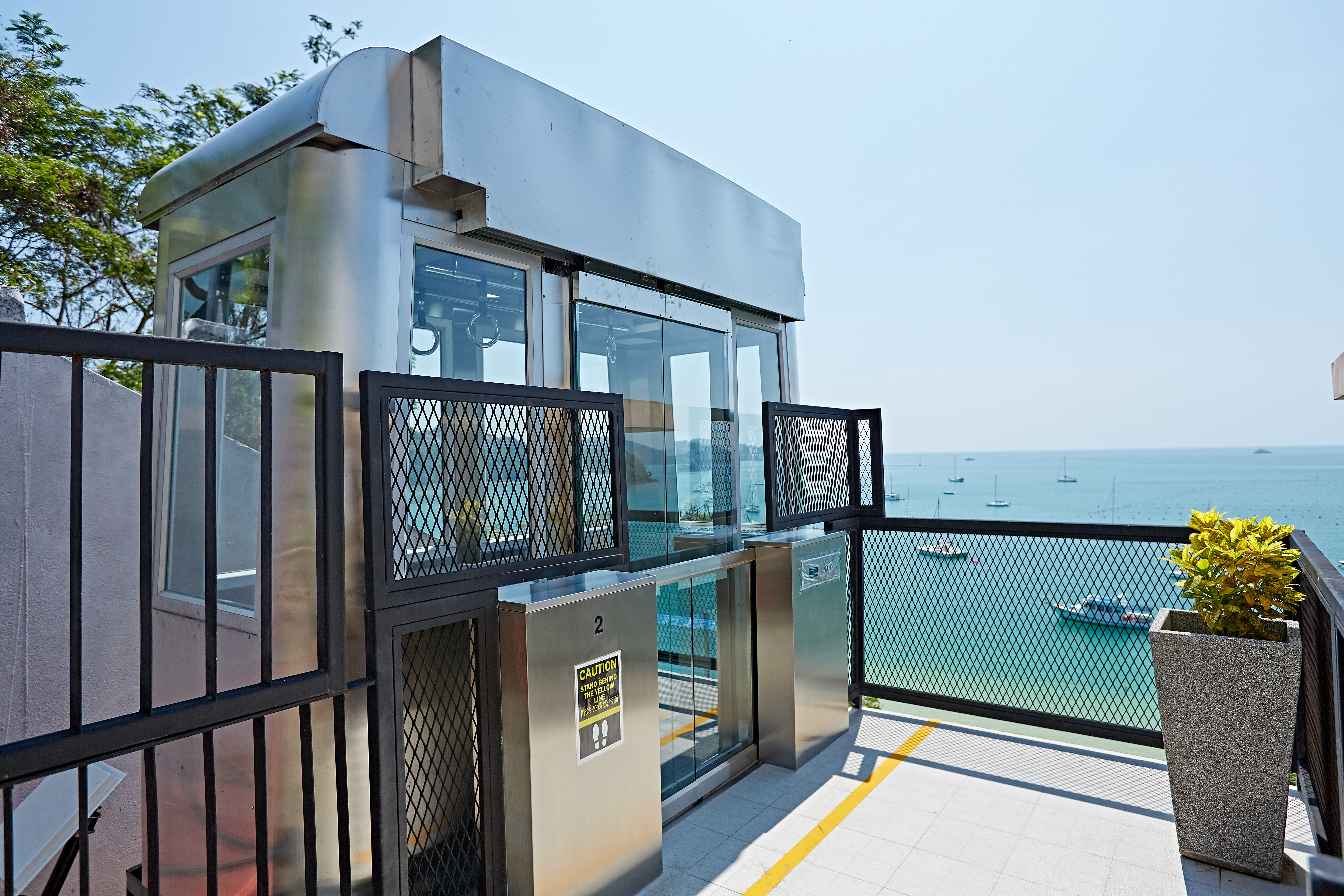 Tram service that guest can enjoy panoramic sea view during go up-down.