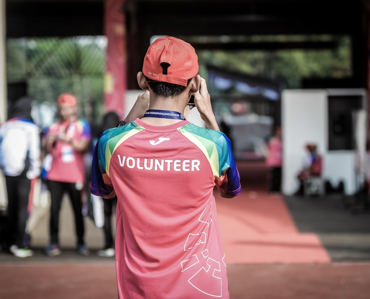 Volunteer_click_Photo by ray sangga kusuma on Unsplash